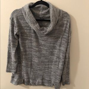 AMERICAN EAGLE SWEATER WITH TURTLE NECK